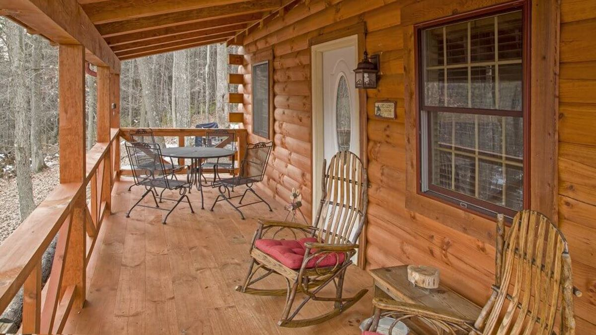 New hidden gem retreat log cabin carefree cabins llc for Log cabin retreat