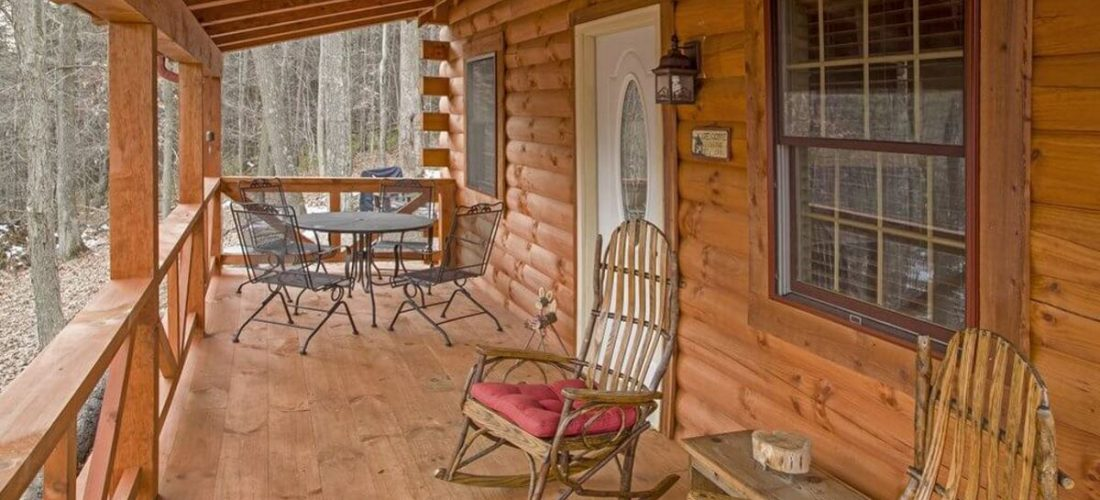 Hidden Gem Retreat log cabin porch